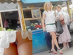 Voyeur upskirt cam filmed beauties of a young babe